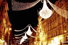 Christmas illuminations at Wiener Graben