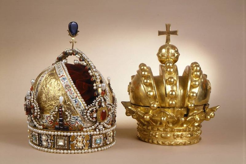 Rudolf II's funeral crown and heraldic imperial crown